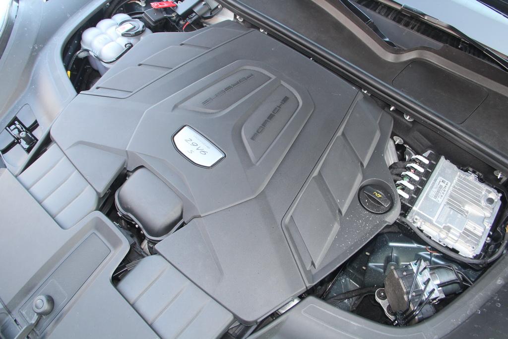 Двигатель нового Porsche Cayenne S