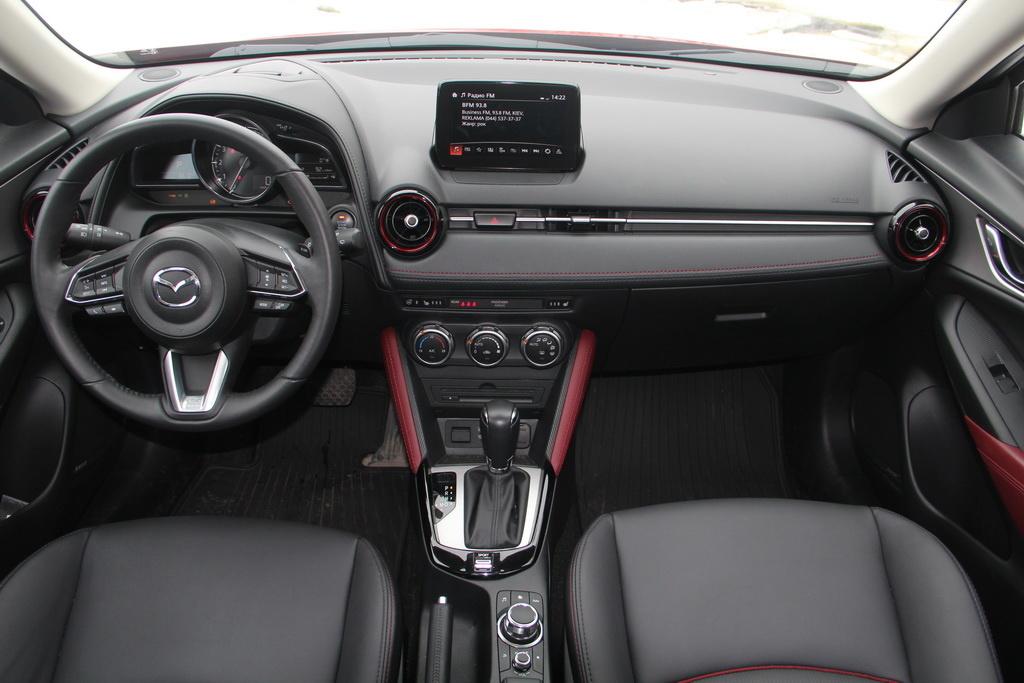 Салон Mazda CX-3