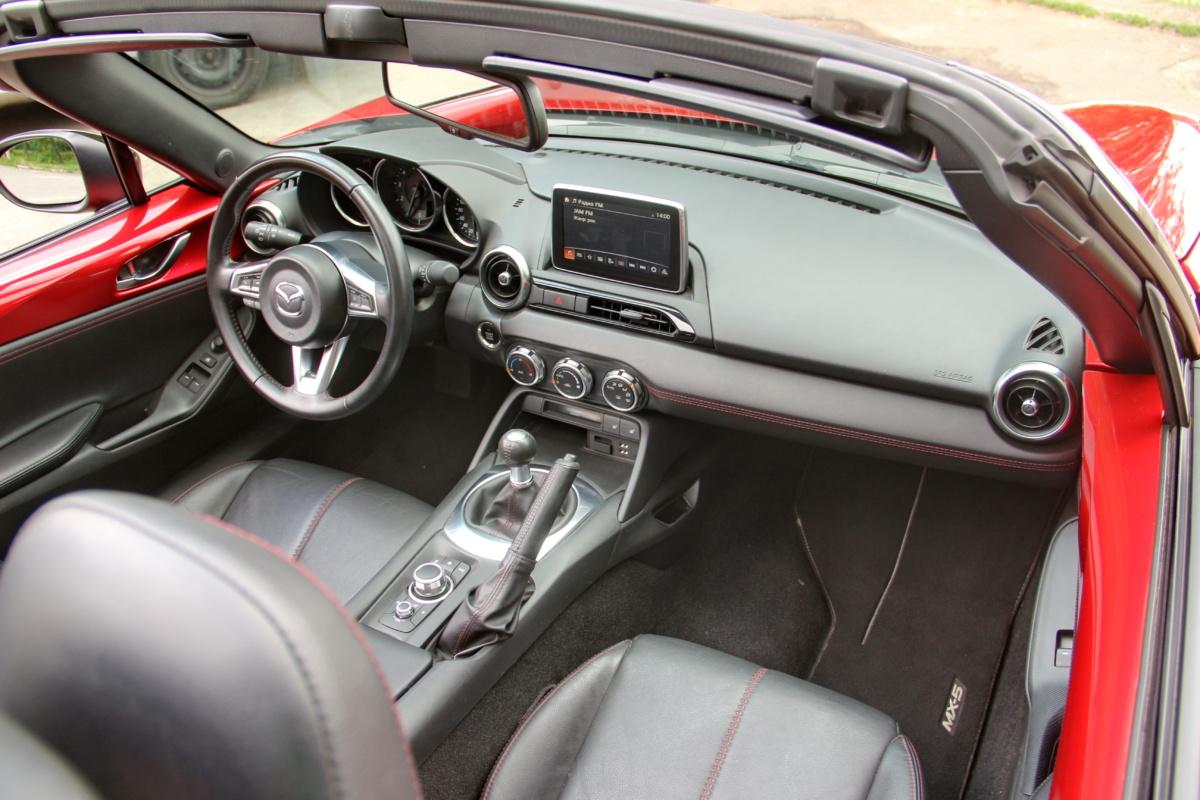 Родстер Mazda MX-5