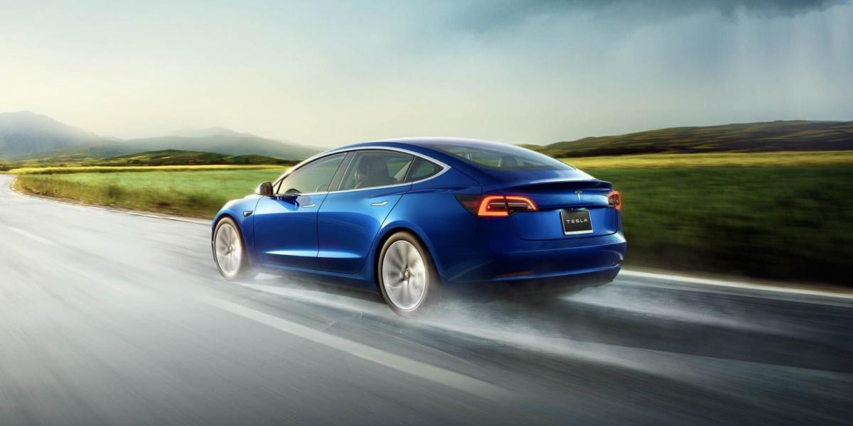 электромобили 2019-2020 - 2019базовая версияTesla Model 3
