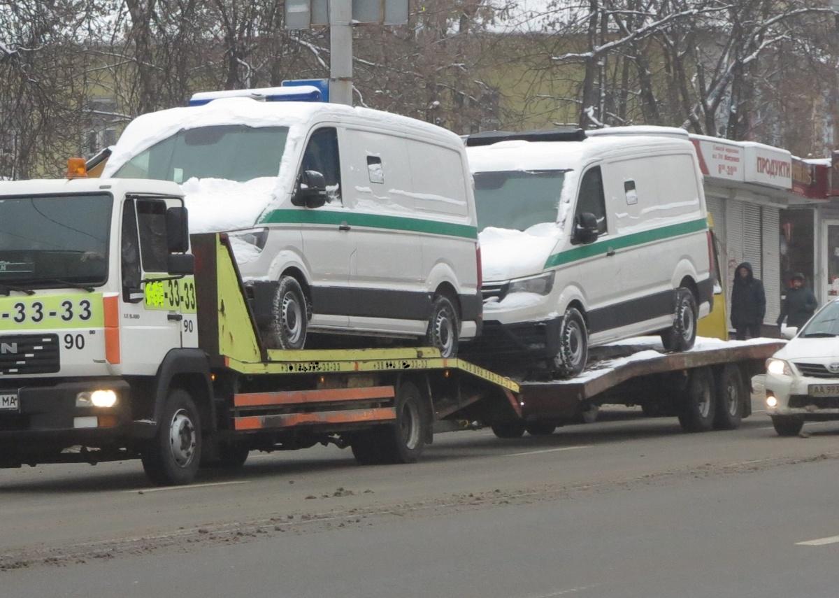 Автовоз с бронированными Volkswagen Crafter