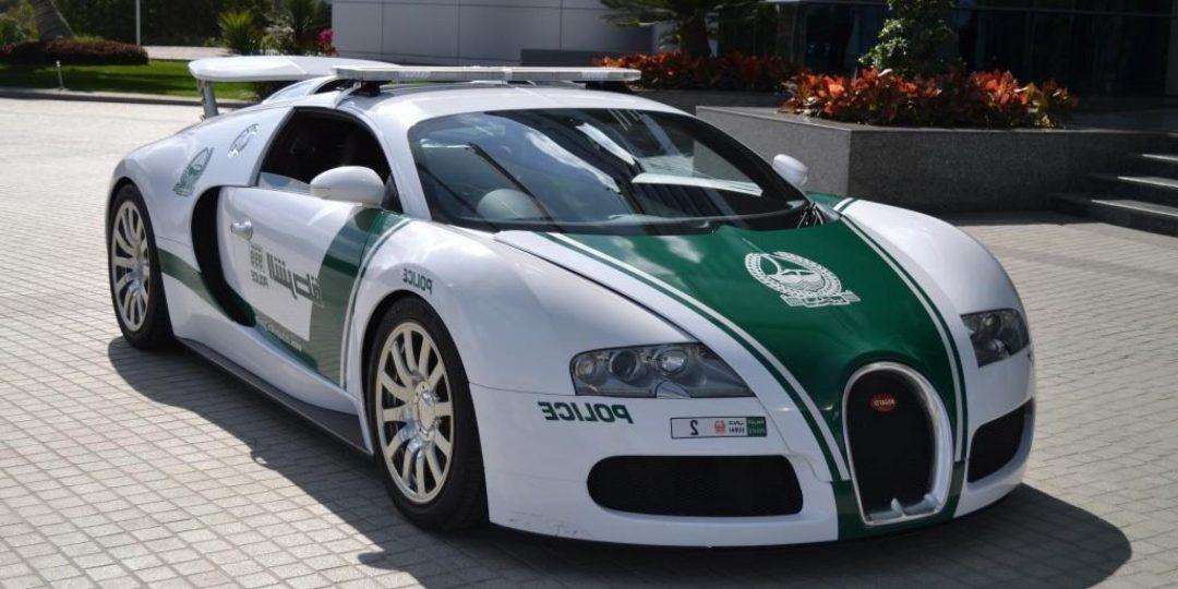 подборка самых странных и курьезных автомобильных рекордов Гиннеса - самое быстрое полицейское авто
