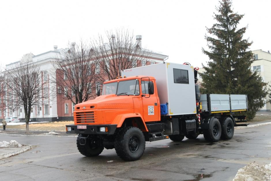 КрАЗ и Polycar представили передвижную аавторемонтную мастерскую