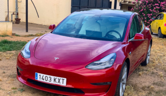 Объективный отзыв о Tesla Model 3 и её сравнение с BMW 3-Series