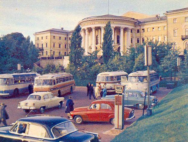 Simca Aronde на улицах Киева