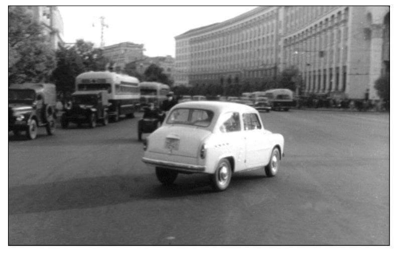 """Каким был прямой предок """"Запорожца"""" - уникальное фото на улицах Киева -  Автоцентр.ua"""