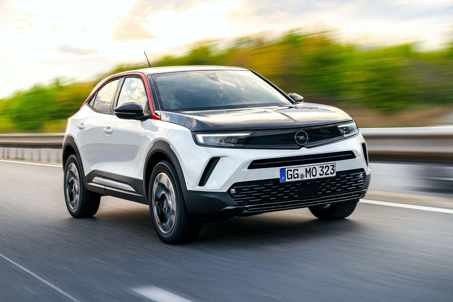 Новинка             Электрический кроссовер Opel Mokka получил три ДВС