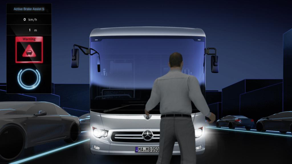 Мировая премьера Mercedes-Benz Intouro – автобуса с беспрецедентным уровнем безопасности