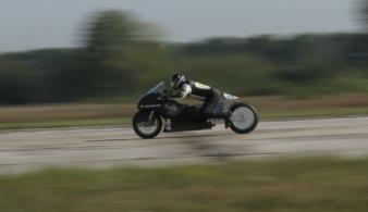 В Украине установлен рекорд скорости на электромотоцикле (видео)