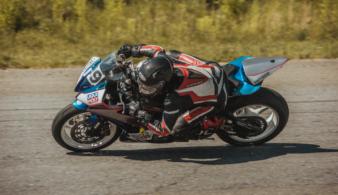 В рамках чемпионата Украины по шоссейно-кольцевым мотогонкам Red Bull представит уникальный шоу-кар