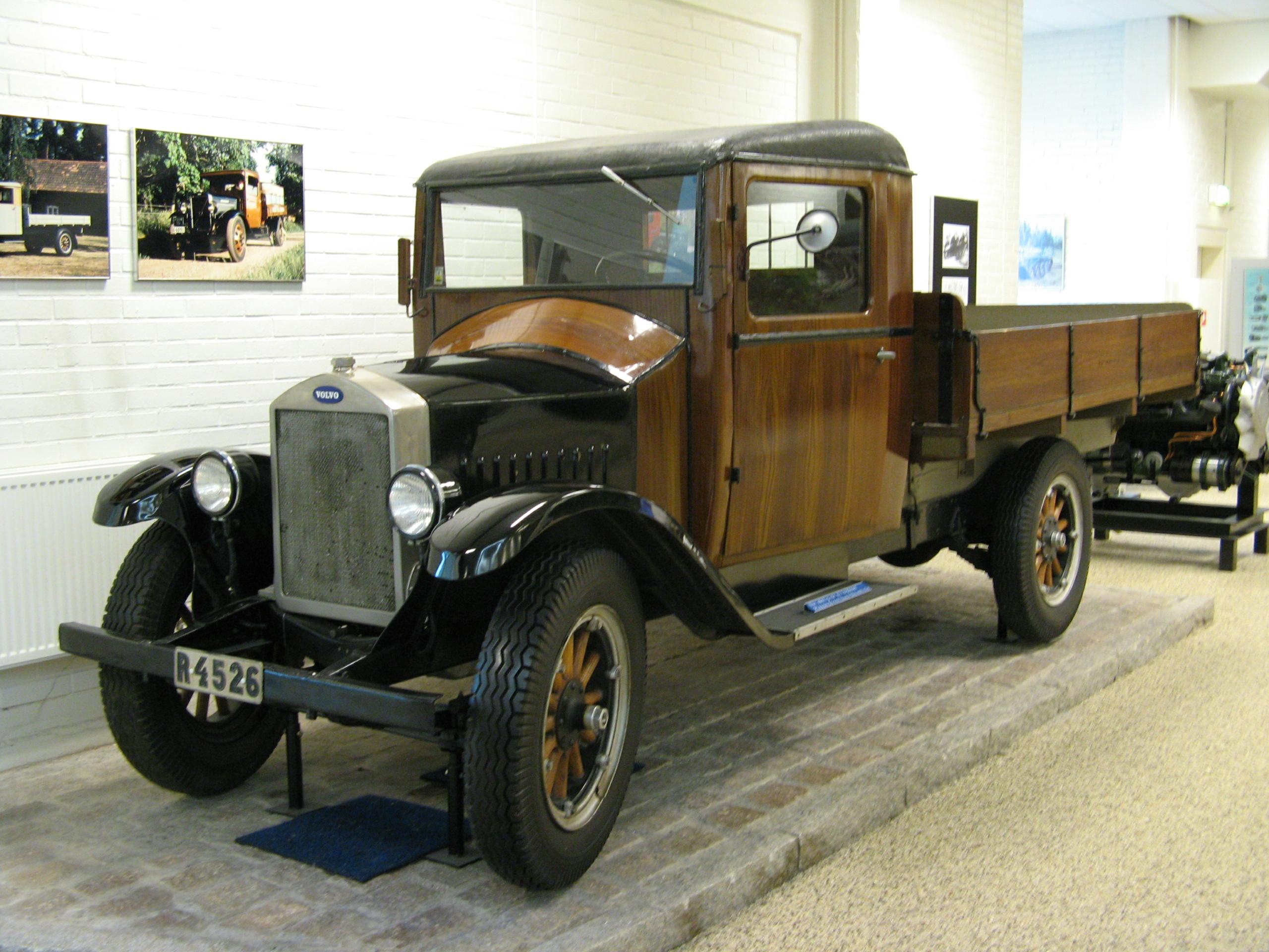 Грузовики Volvo c деревянной кабиной распродали за полгода