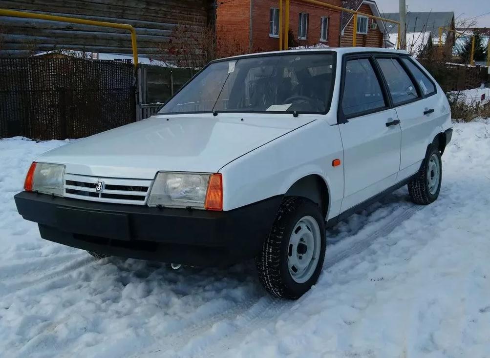 Идеальный ВАЗ-2109 без пробега продают по цене нового Mercedes