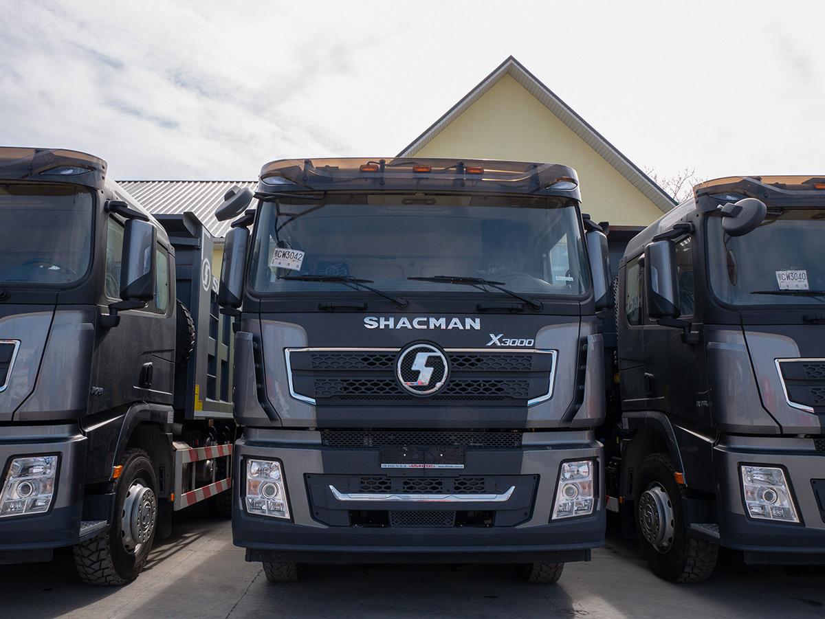 В Украину прибыла партия новейших самосвалов SHACMAN X3000