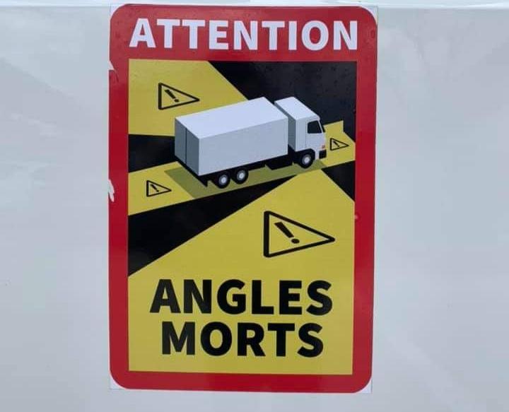 Простое и эффективное решение как не погибнуть под колёсами грузовиков