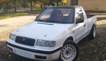 Что собой представляет старый пикап Skoda Felicia с мотором BMW для дрифта