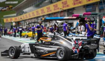 Смотрите на Первом автомобильном телеканале — третий этап формулы W Series уже завтра!