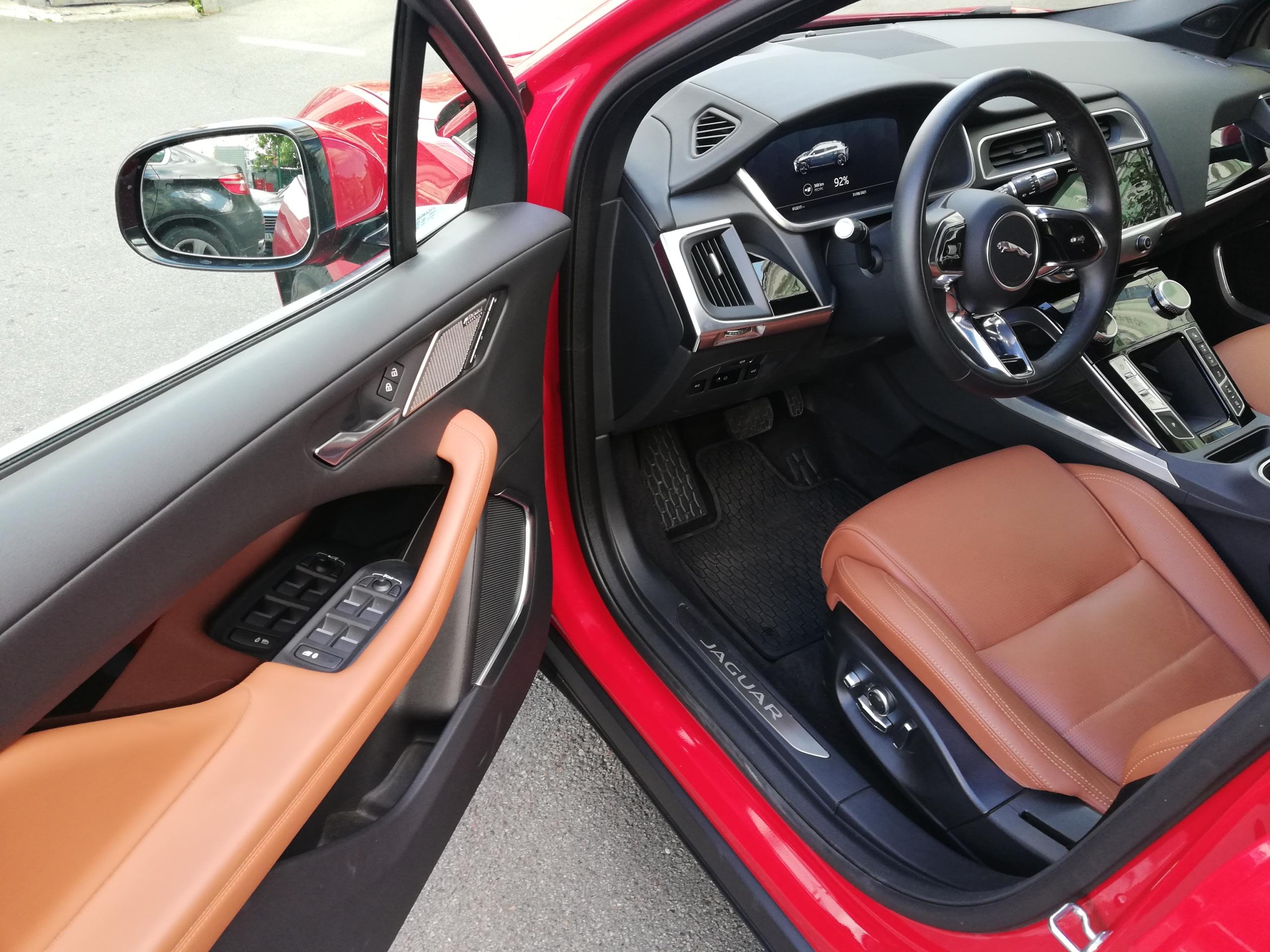Jaguar I-Pace salon
